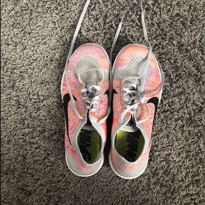 Nike free flynit free runs